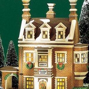 "Dickens Village Series (Retired) ""Dursley Manor"""